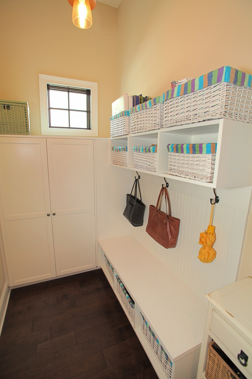 Bayshore Estates Custom Home_Mud room