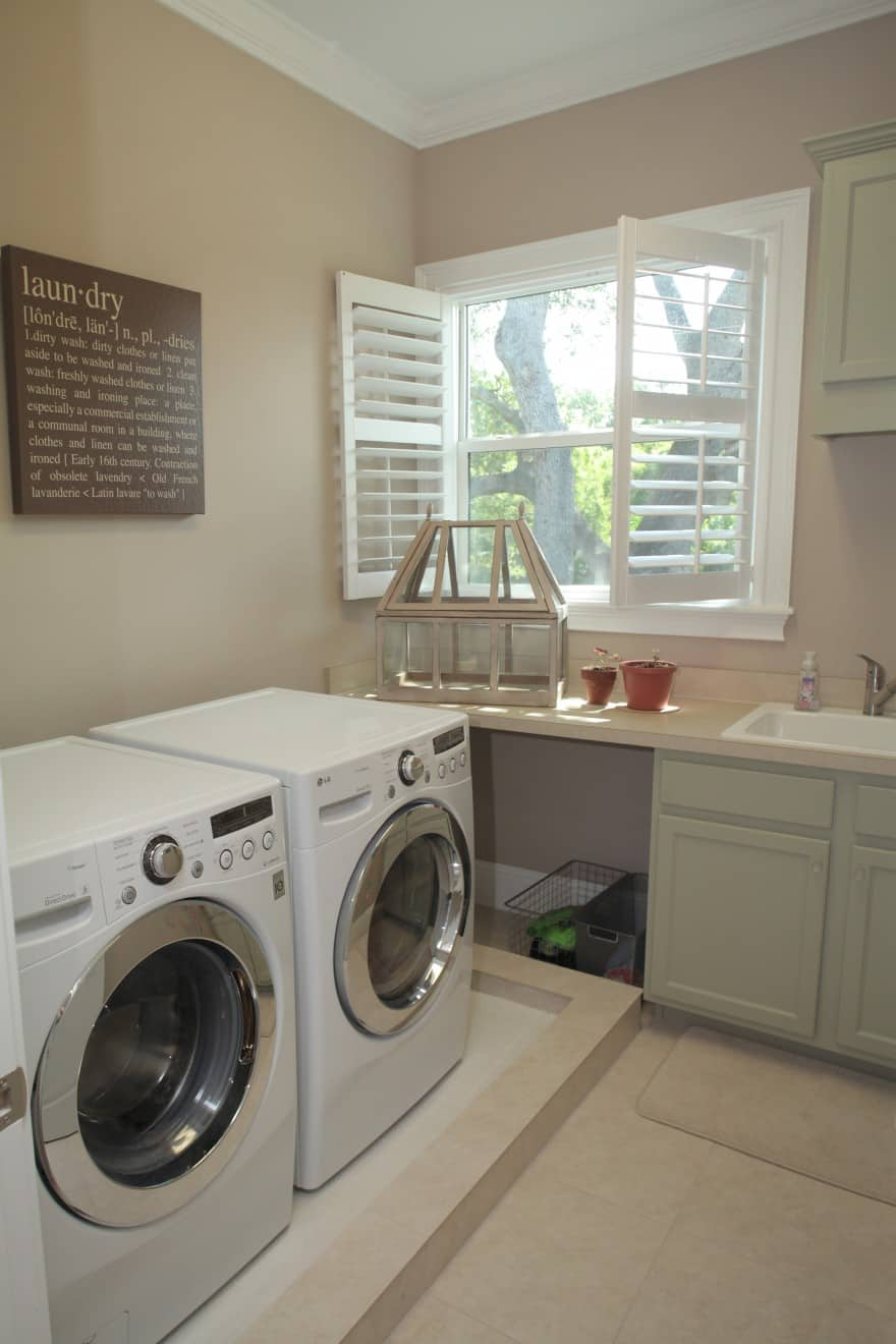 Virginia Park Contemporary Craftsman_Laundry