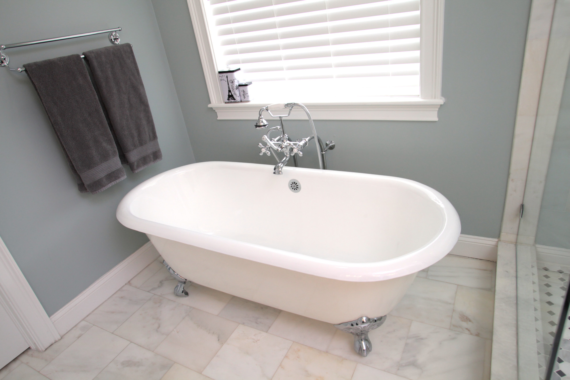 Melrose canal home- clawfoot tub