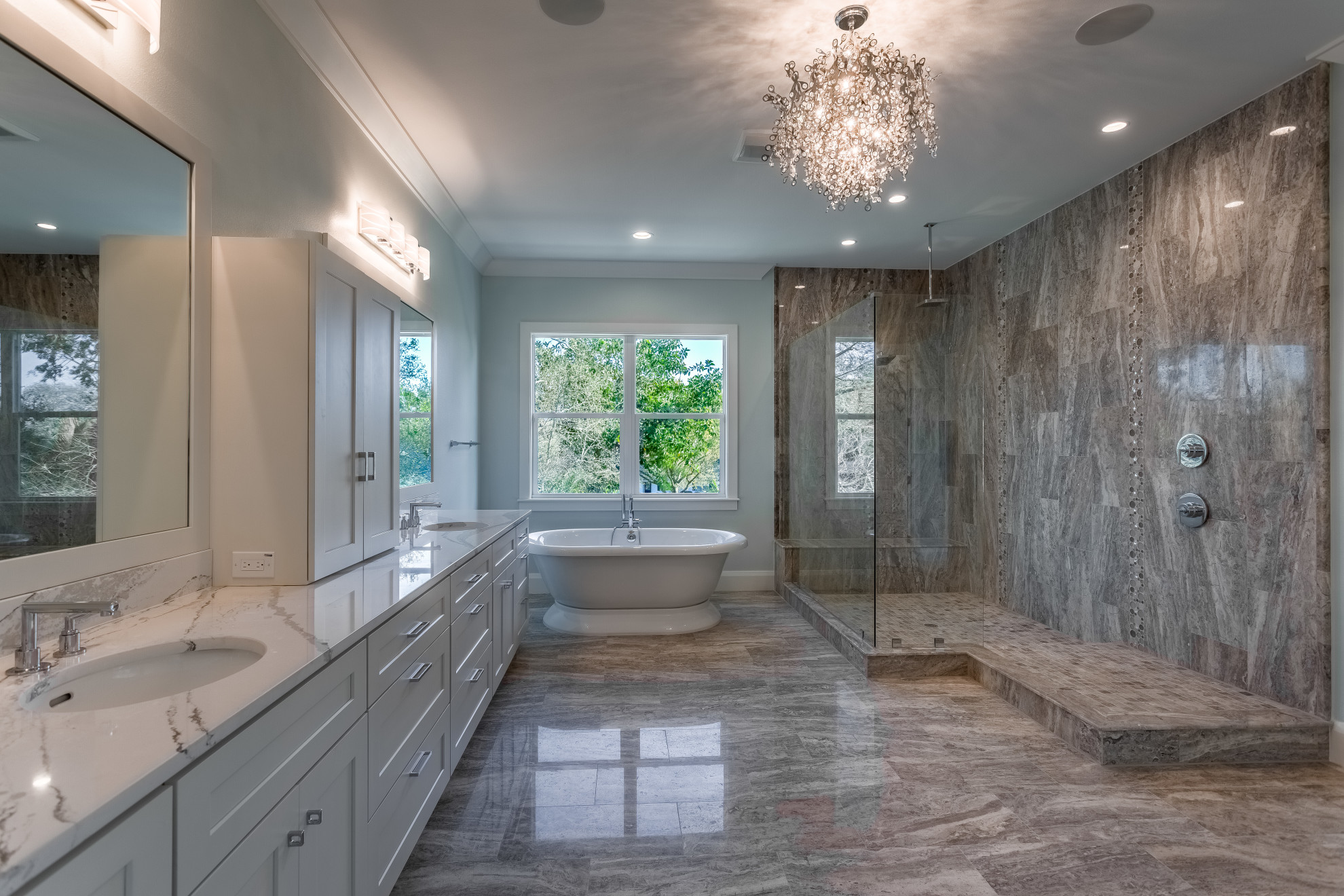 Master bathroom - Sunset Park - Devonshire Custom Home