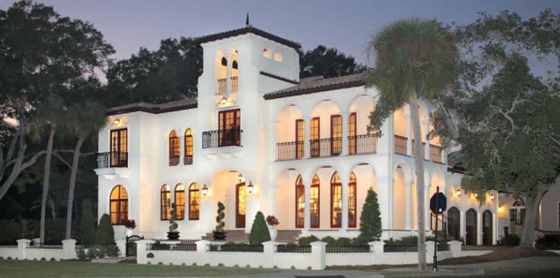 Luxury Estates - Bayshore Beautiful - Devonshire Custom Homes